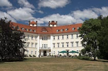 Luebbenau: 16. Photo: Schloß und Hotel