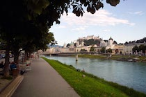 Salzburg: 10. Photo: Uferpromenade