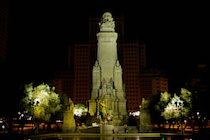 Schlagworte: Denkmal – 18. Photo: Plaza de España