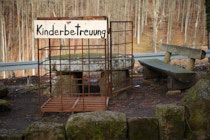Schilder: 20. Photo: Kinderbetreuung